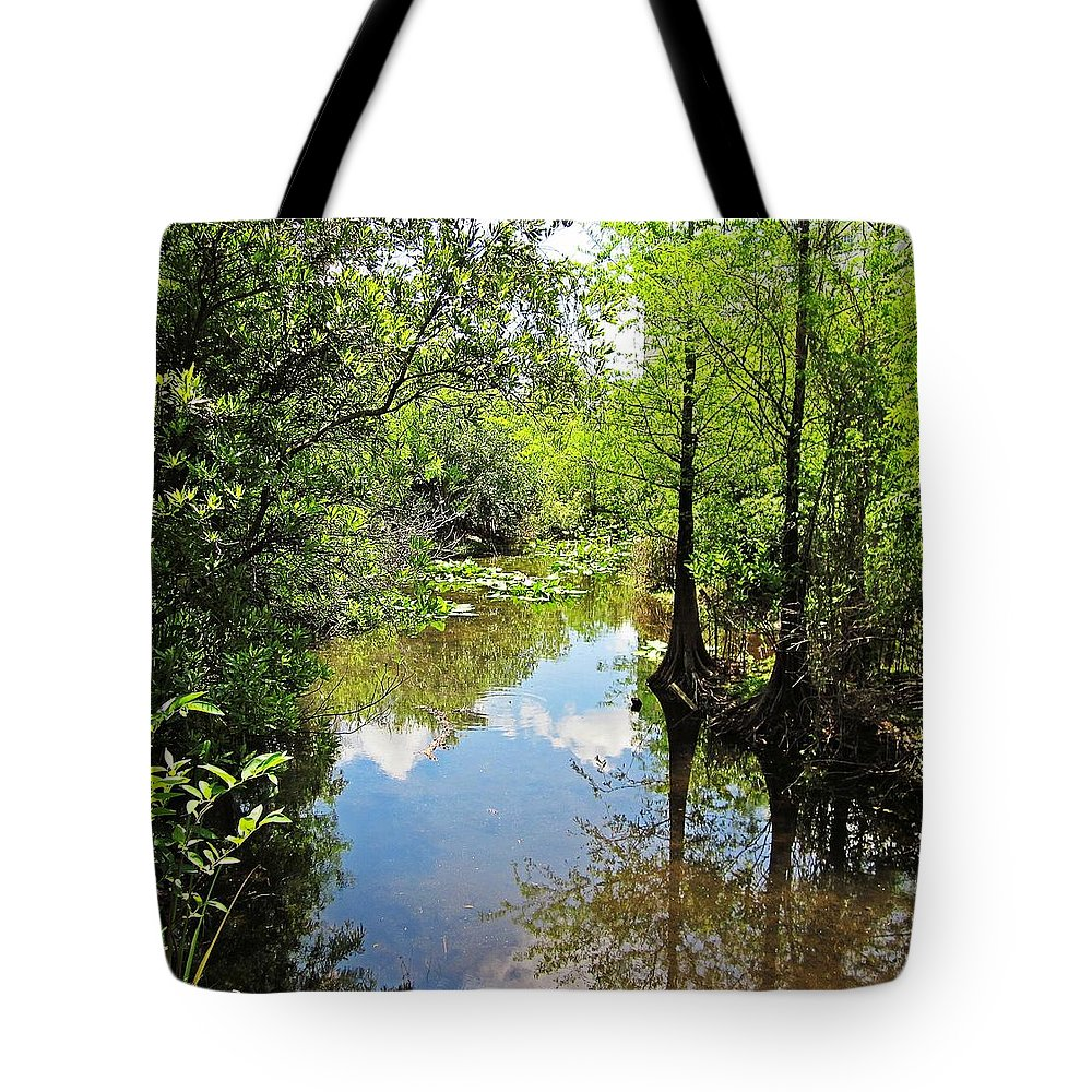 Fort Lauderdale Florida Tote Bag featuring the photograph Florida Waterway by MTBobbins Photography