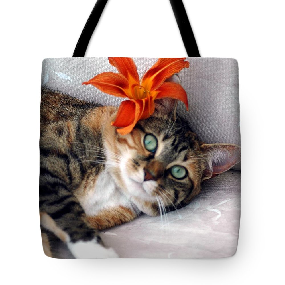#cat #feline #calico Tote Bag featuring the photograph Flower In My Hair by Kathleen Struckle
