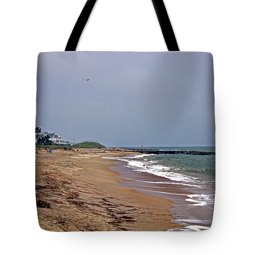 Scenic Tours Tote Bag featuring the photograph Flying My Kite by Skip Willits
