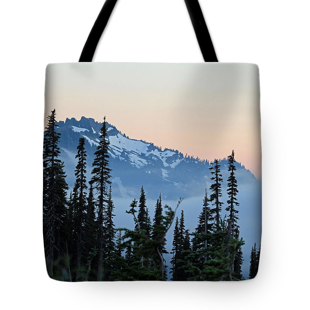 Sunset Tote Bag featuring the photograph Mt. Rainier's Foggy Sunset by E Faithe Lester