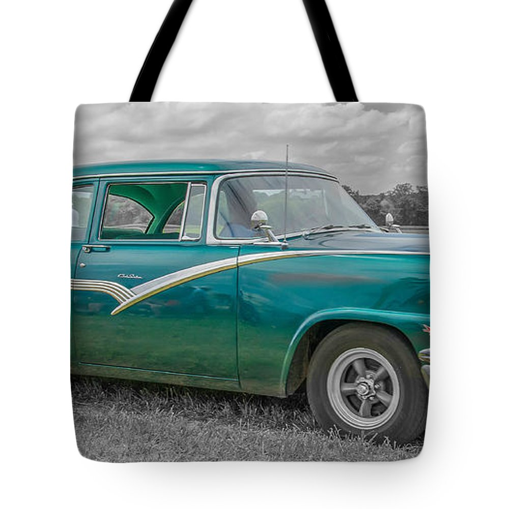 Automobile Tote Bag featuring the photograph Ford Fairlane 7d05219 by Guy Whiteley