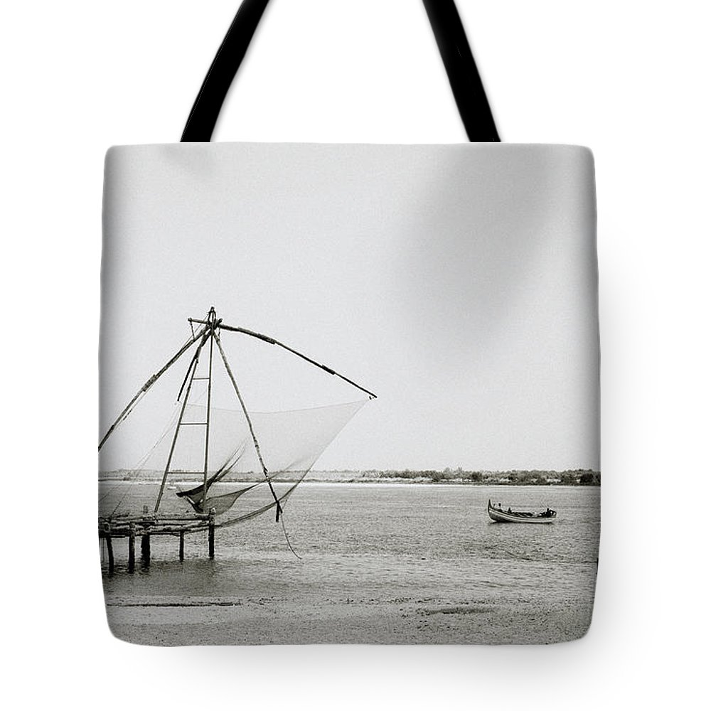 Chinese Tote Bag featuring the photograph Fort Cochin by Shaun Higson