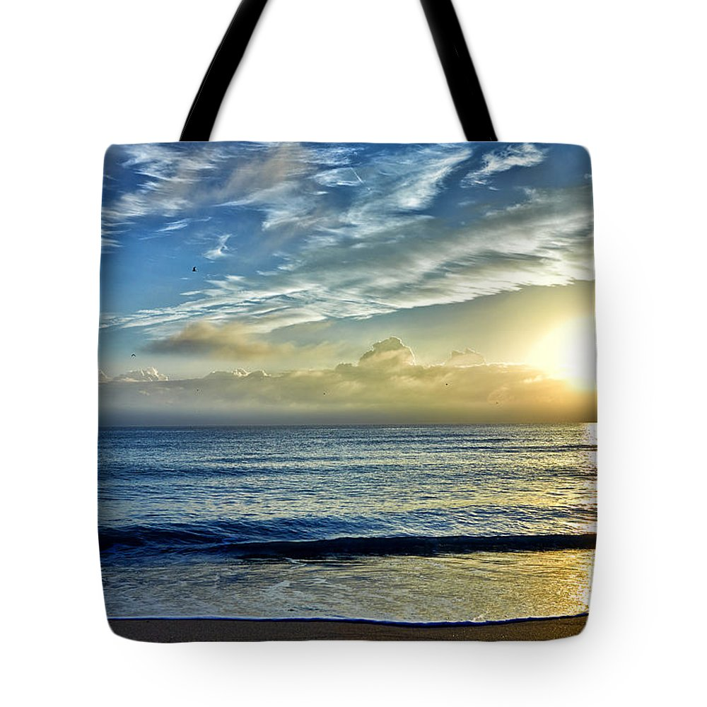 Fort Lauderdale Tote Bag featuring the photograph Fort Lauderdale Beach At Sunrise by Eyzen M Kim