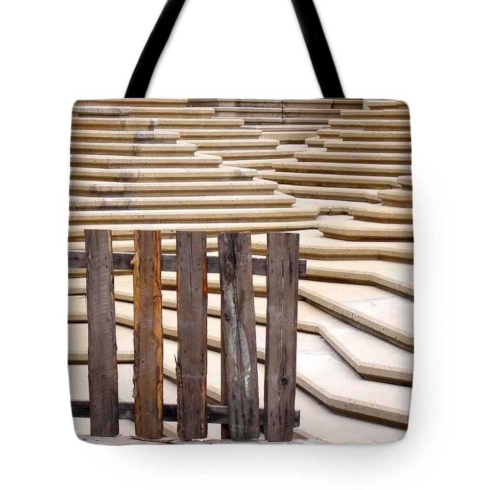 Fence Tote Bag featuring the photograph Fountain Stepped Concrete And Fence by Ian Mcadie