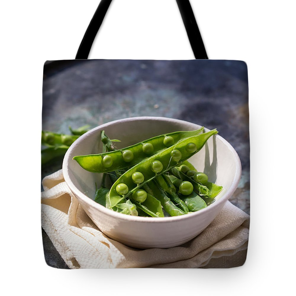 Vegetables Veggies Fresh Garden Picked Tote Bag featuring the photograph Fresh Peapods by Edward Fielding