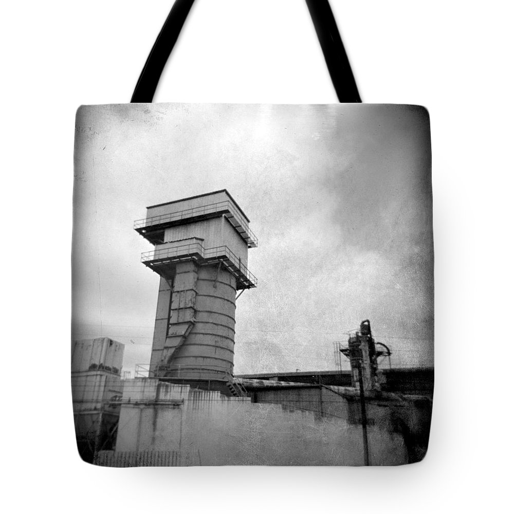 Frog Tote Bag featuring the photograph Frog Switch by Jean Macaluso