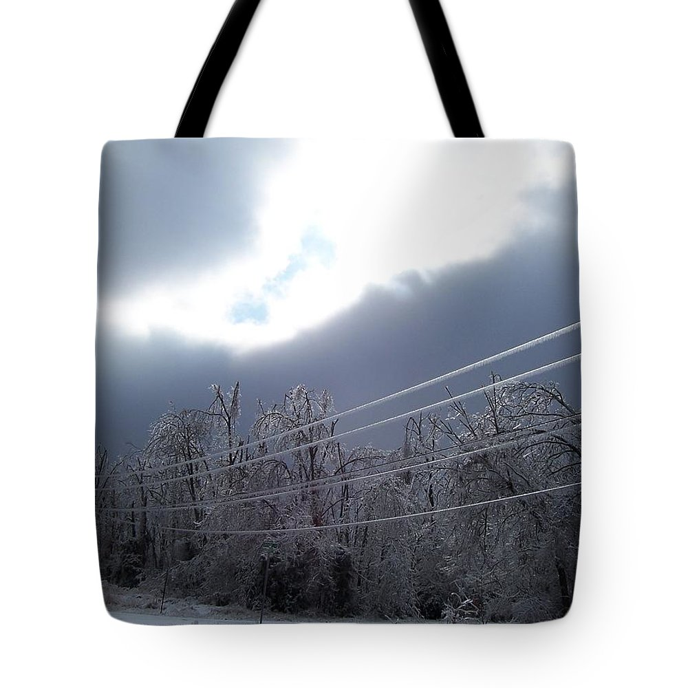 Ice Tote Bag featuring the photograph Frozen Pt2 by Maria Manna