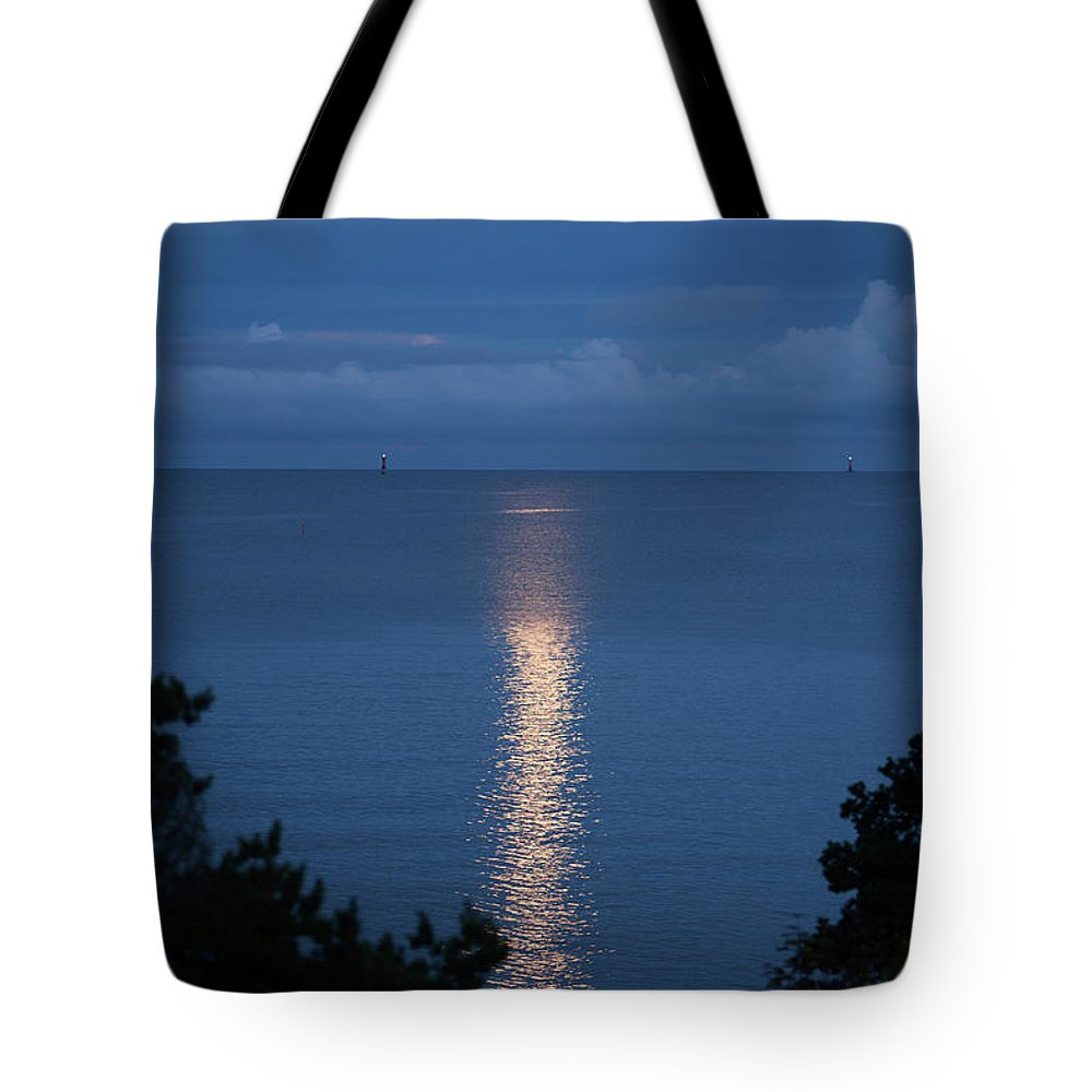 Archipelago Tote Bag featuring the photograph Full Moon Over Sea by Johner Images