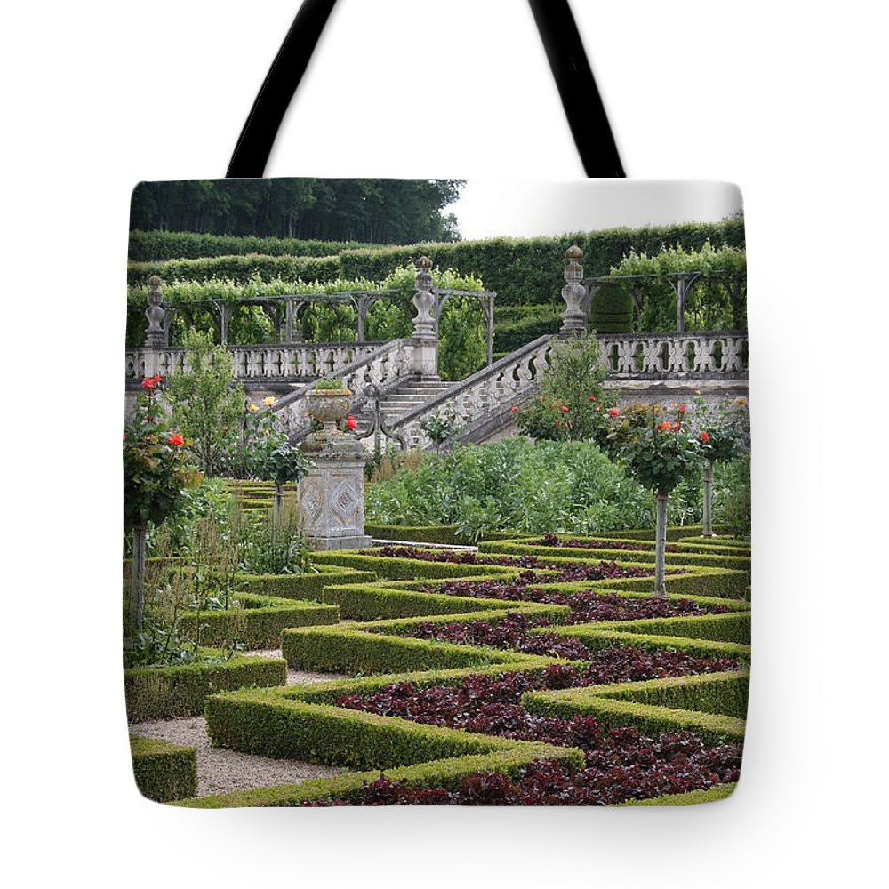 Cabbage Tote Bag featuring the photograph Garden Symmetry Chateau Villandry by Christiane Schulze Art And Photography
