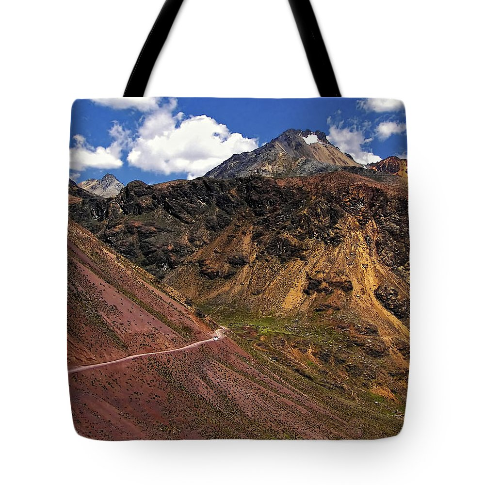Peru Tote Bag featuring the photograph Gasp by Steve Harrington