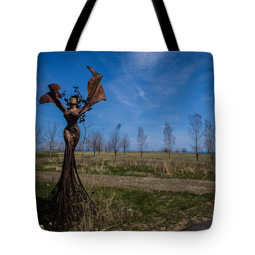 Tote Bag featuring the photograph Girls by Sue Conwell