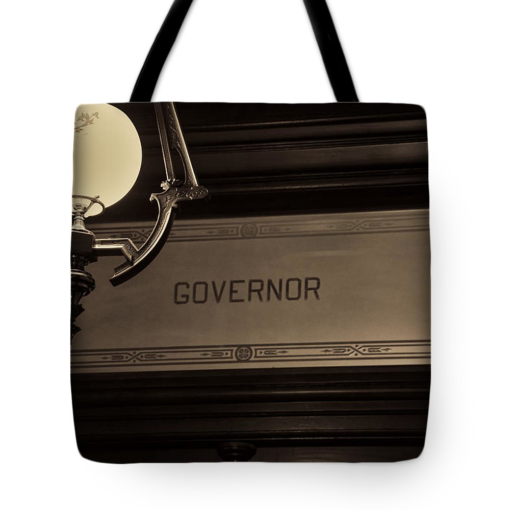 Arches Tote Bag featuring the photograph Governor Office by Gej Jones