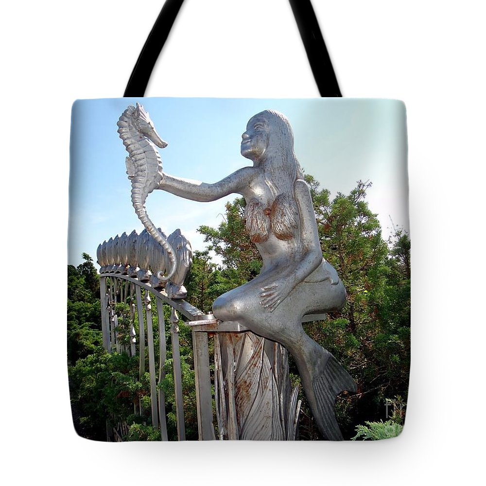 Mermaid Tote Bag featuring the photograph Grand Entranceway by Ed Weidman