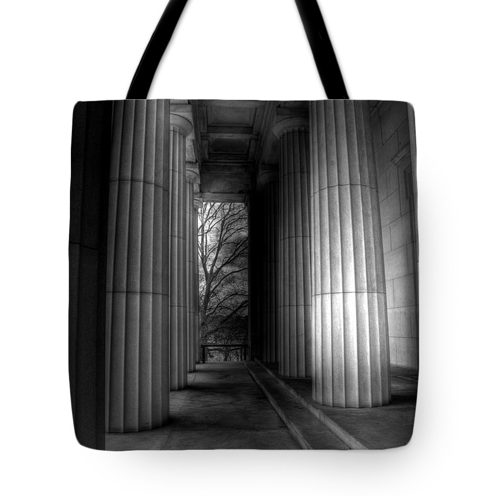 New York Tote Bag featuring the photograph Grant's Tomb Columns by Jeff Watts