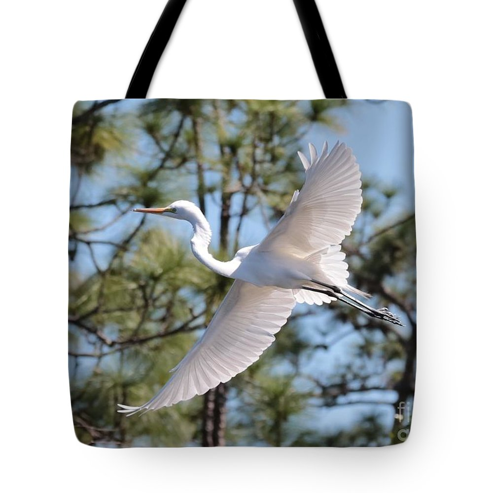 Egret Tote Bag featuring the photograph Great Egret Spirit by Carol Groenen