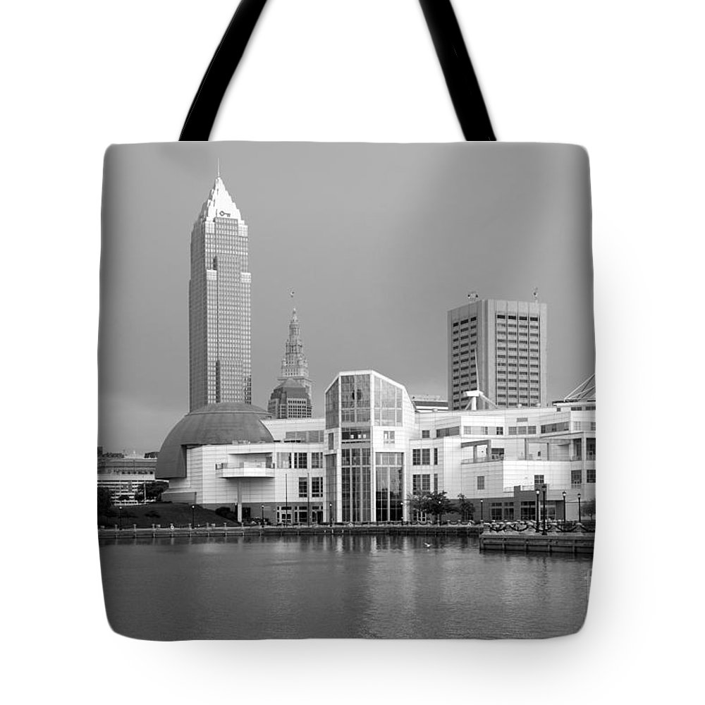 Cleveland Tote Bag featuring the photograph Great Lakes Science Center Cleveland by Bill Cobb