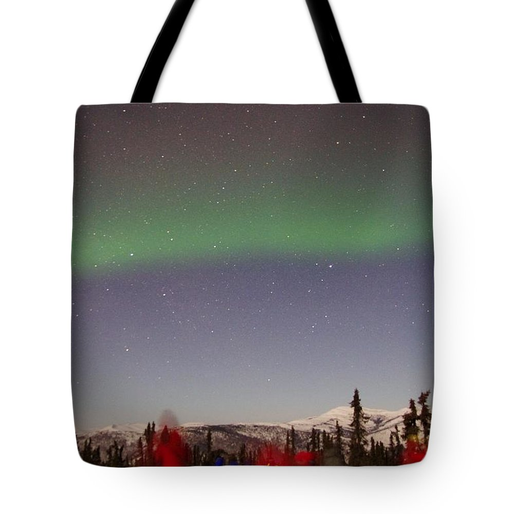 Alaska Aurora Borealis Tote Bag featuring the photograph Green Lady Dancing 44 by Phyllis Spoor