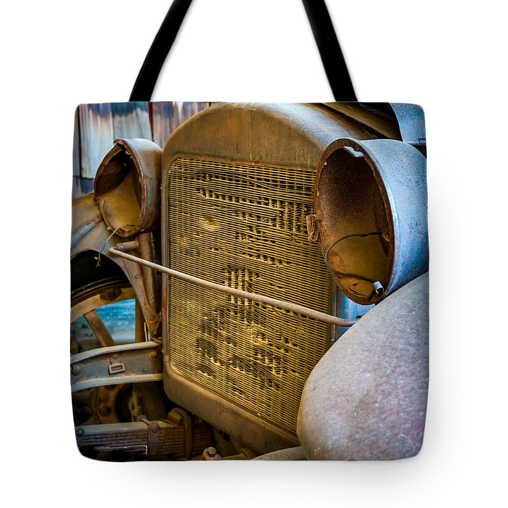 Vehicle Tote Bag featuring the photograph Grill by William Krumpelman