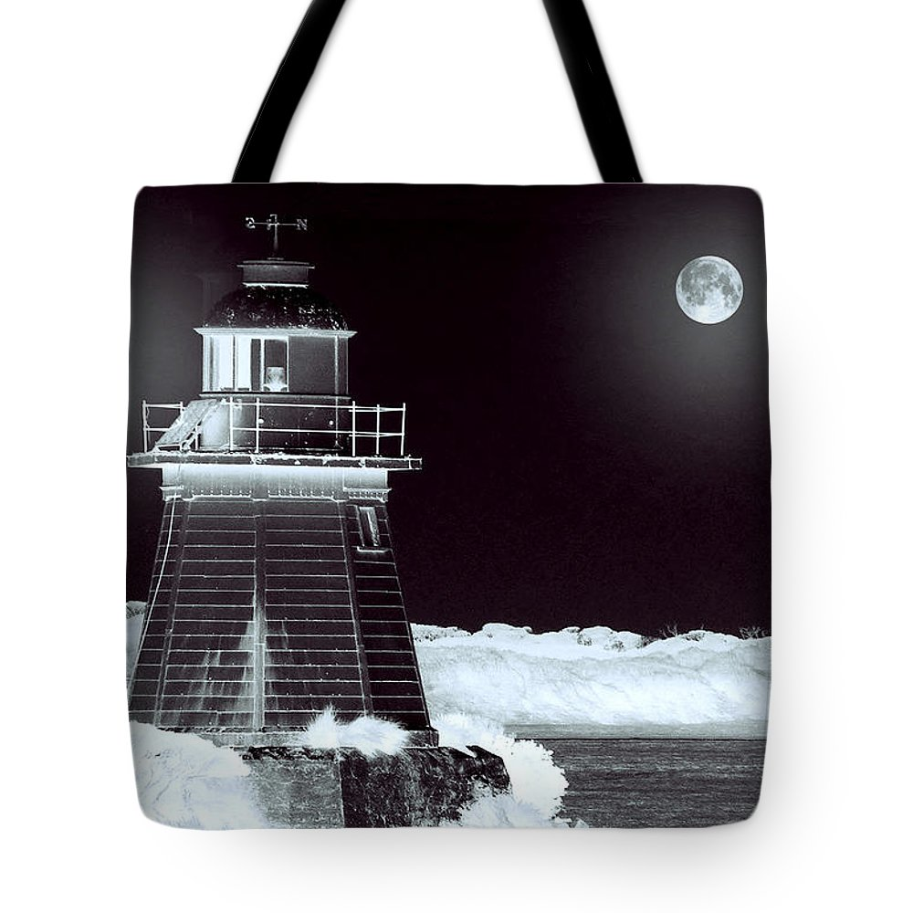 Landscapes Tote Bag featuring the photograph Guiding Lights by Holly Kempe