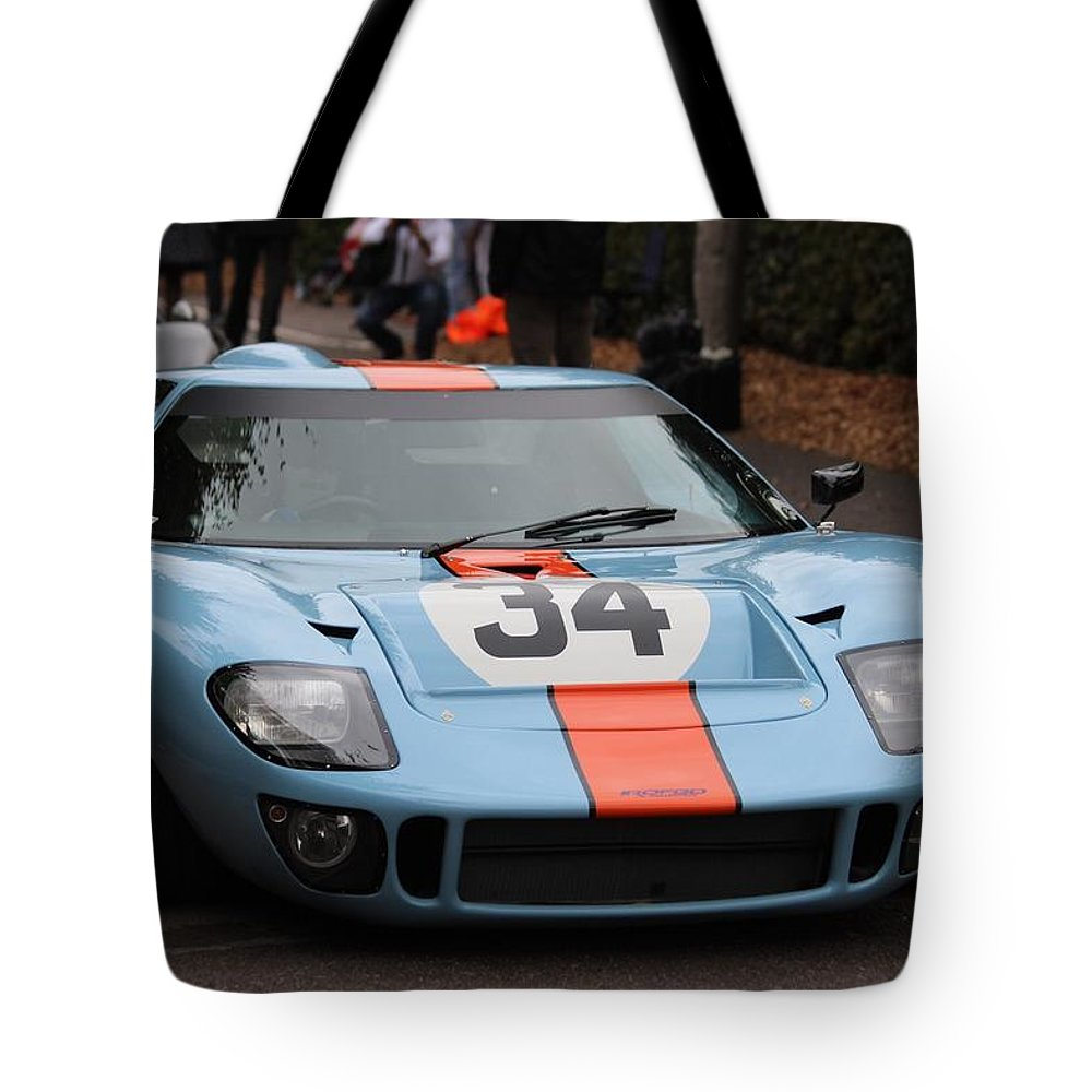 Gulf Tote Bag featuring the photograph Gulf Gt 40 by Robert Phelan