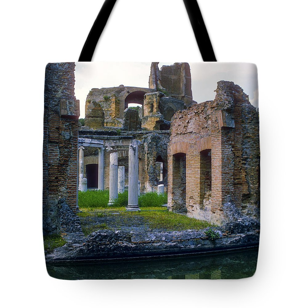 Hadrian Villa Ruin Ruins Pond Ponds Reflection Reflections Water Structure Structures Building Building Column Columns Architecture Hadrian's Villa Roman Architecture Cityscape Cityscapes Tivoli Italy City Cities Cityscape Cityscapes Tote Bag featuring the photograph Hadrian's Villa by Bob Phillips