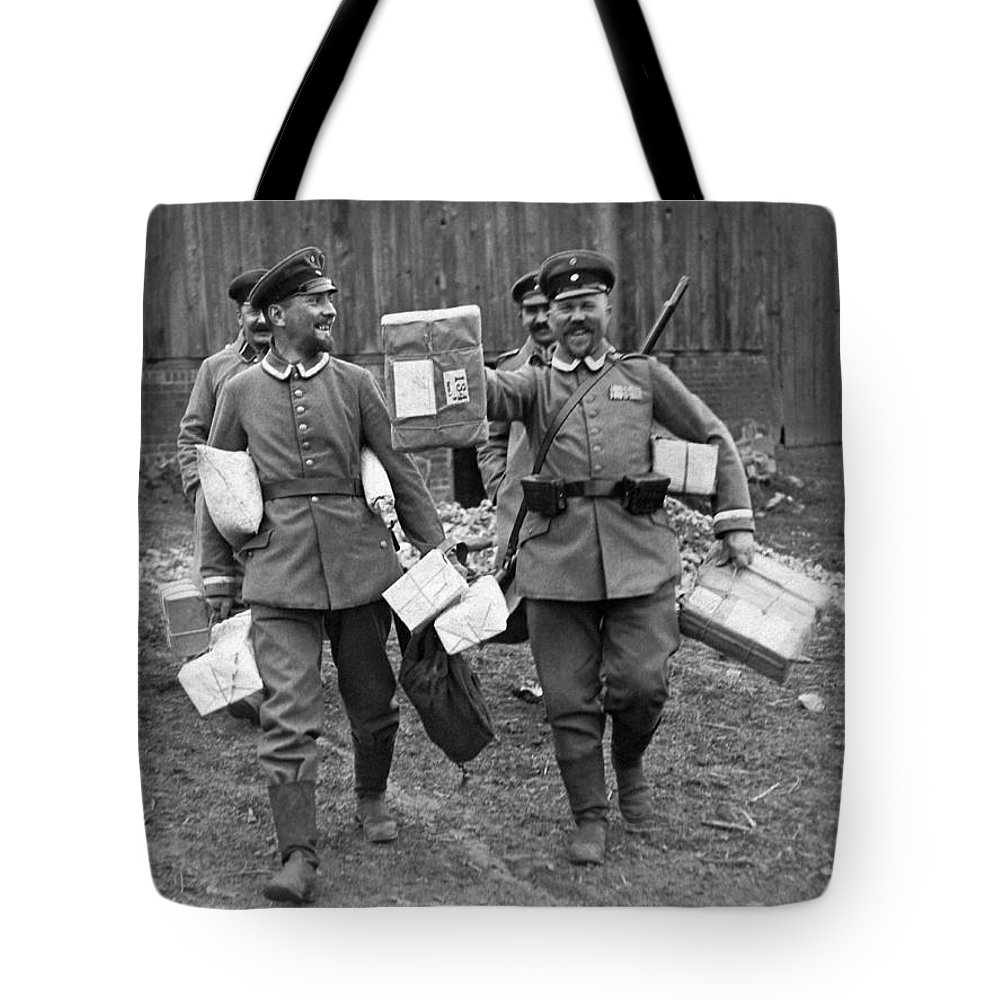 1910's Tote Bag featuring the photograph Happy Soldiers by Underwood Archives