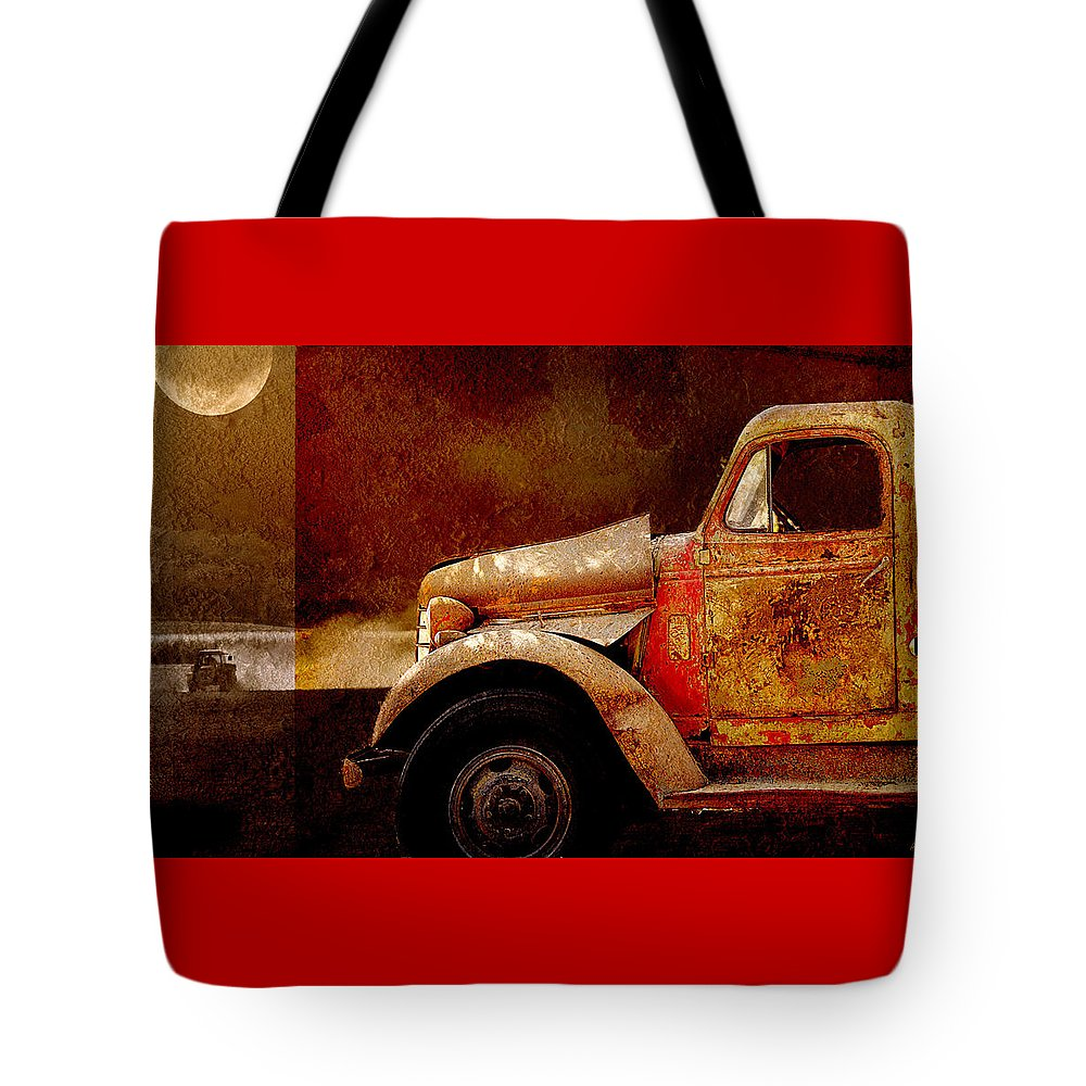 Transportation Tote Bag featuring the photograph Harvest Moon by Holly Kempe