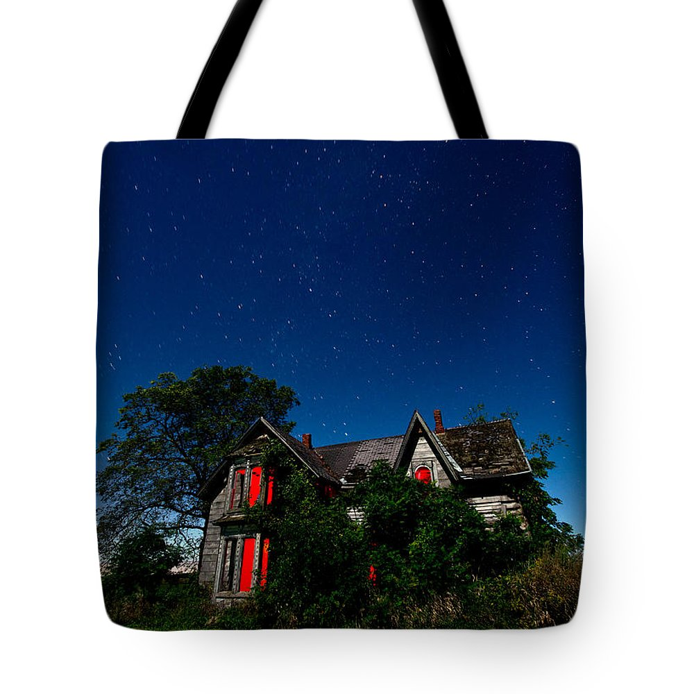 Abandoned Tote Bag featuring the photograph Haunted Farmhouse At Night by Cale Best