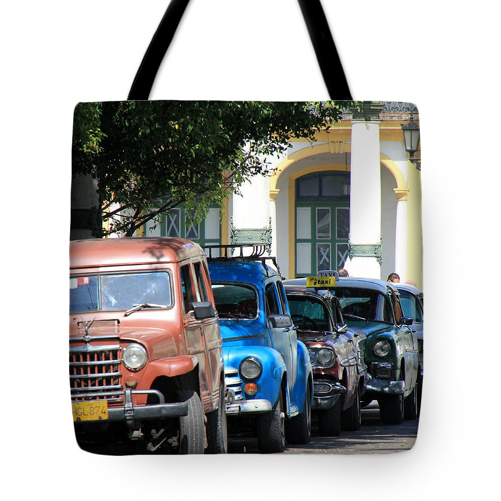 Havana Tote Bag featuring the photograph Havana 21 by Andrew Fare