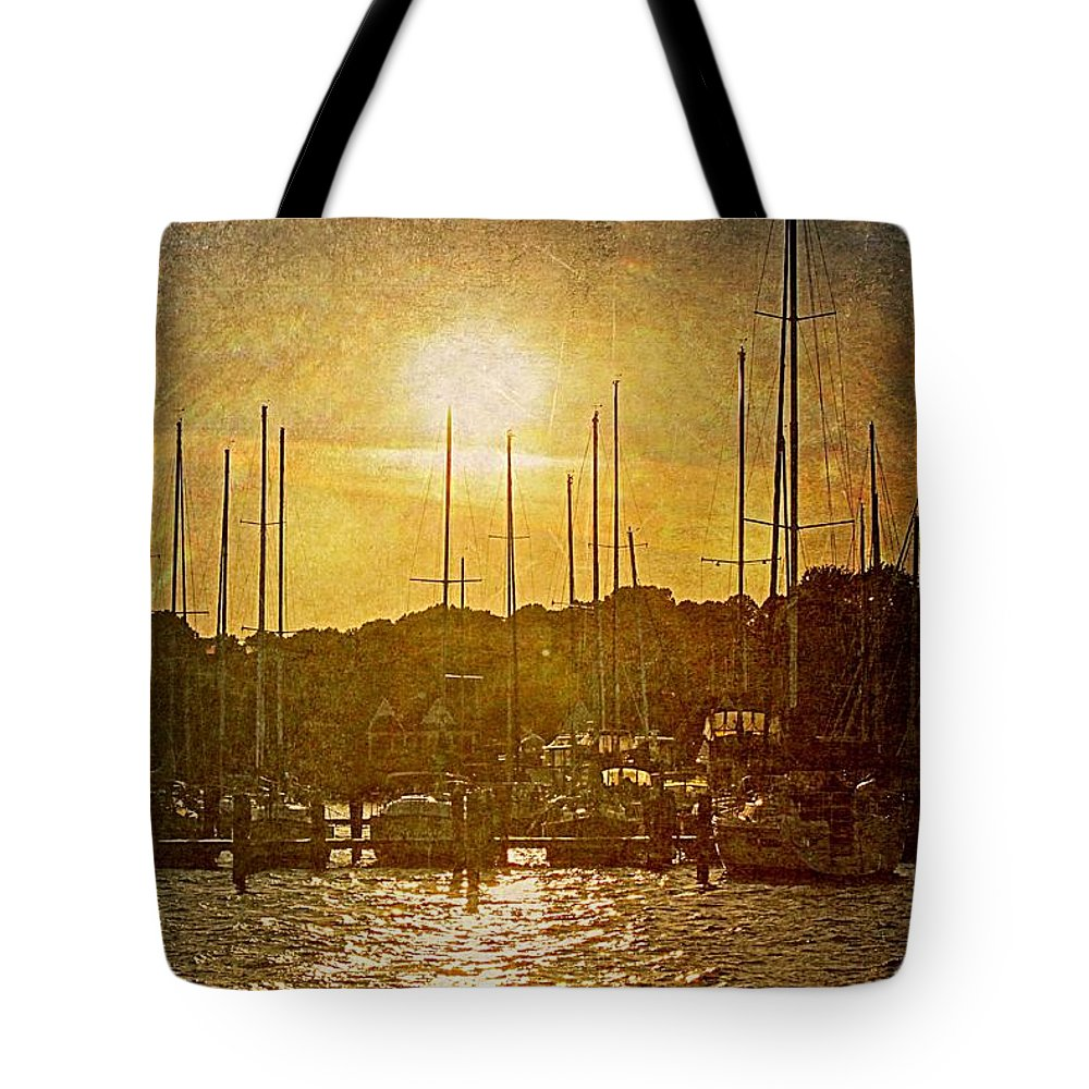 Deale Tote Bag featuring the photograph Heaven by Sheryl Bergman