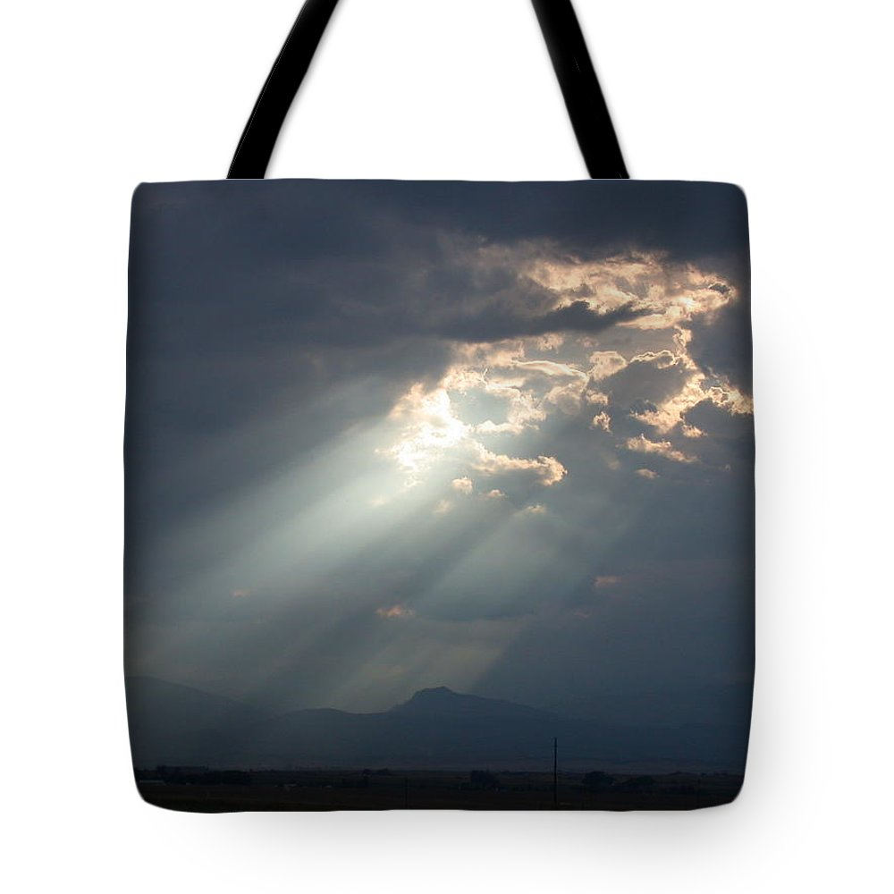 Rays Tote Bag featuring the photograph Heavenly Rays by Shane Bechler