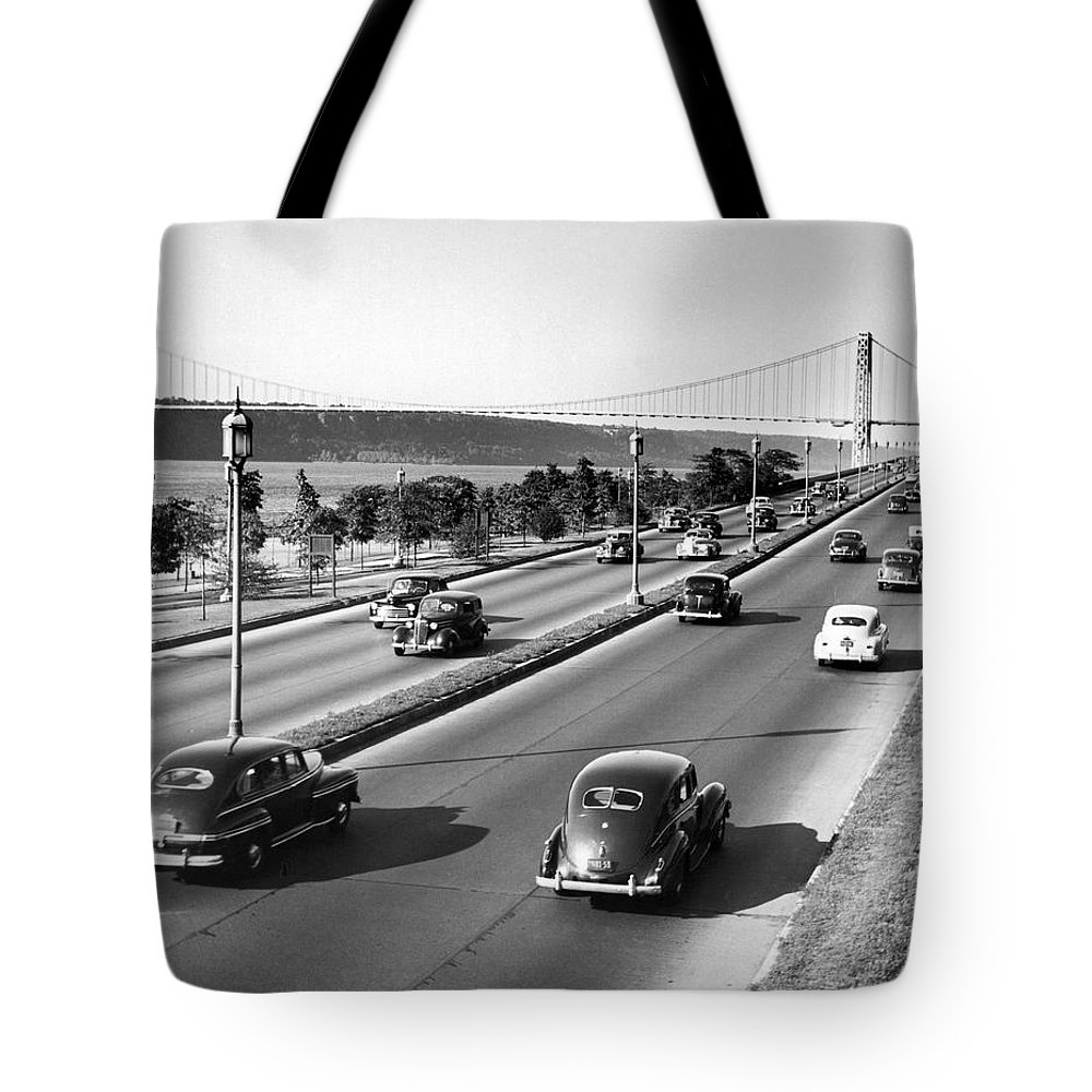 158 Street Tote Bag featuring the photograph Henry Hudson Drive In New York by Underwood Archives