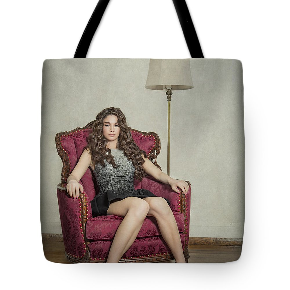 Girl Tote Bag featuring the photograph Her Majesty by Evelina Kremsdorf