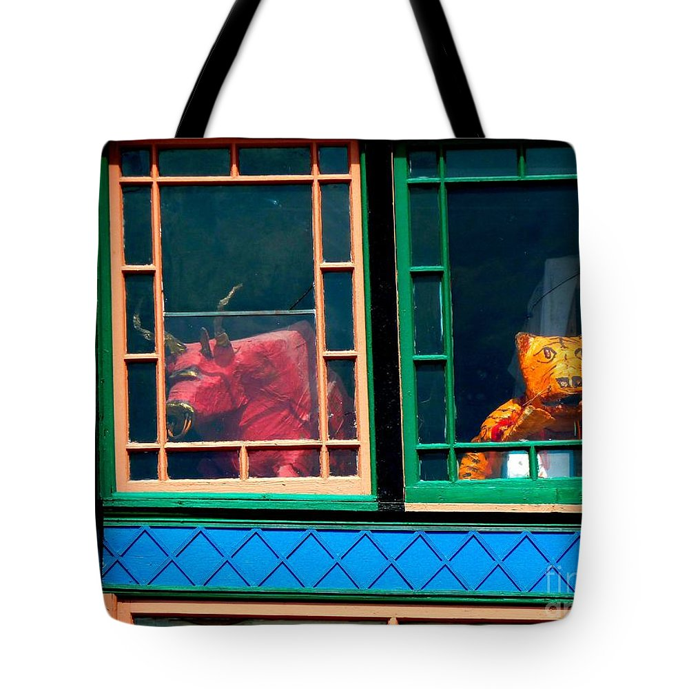 Newel Hunter Tote Bag featuring the photograph Hiding In Plain Sight by Newel Hunter