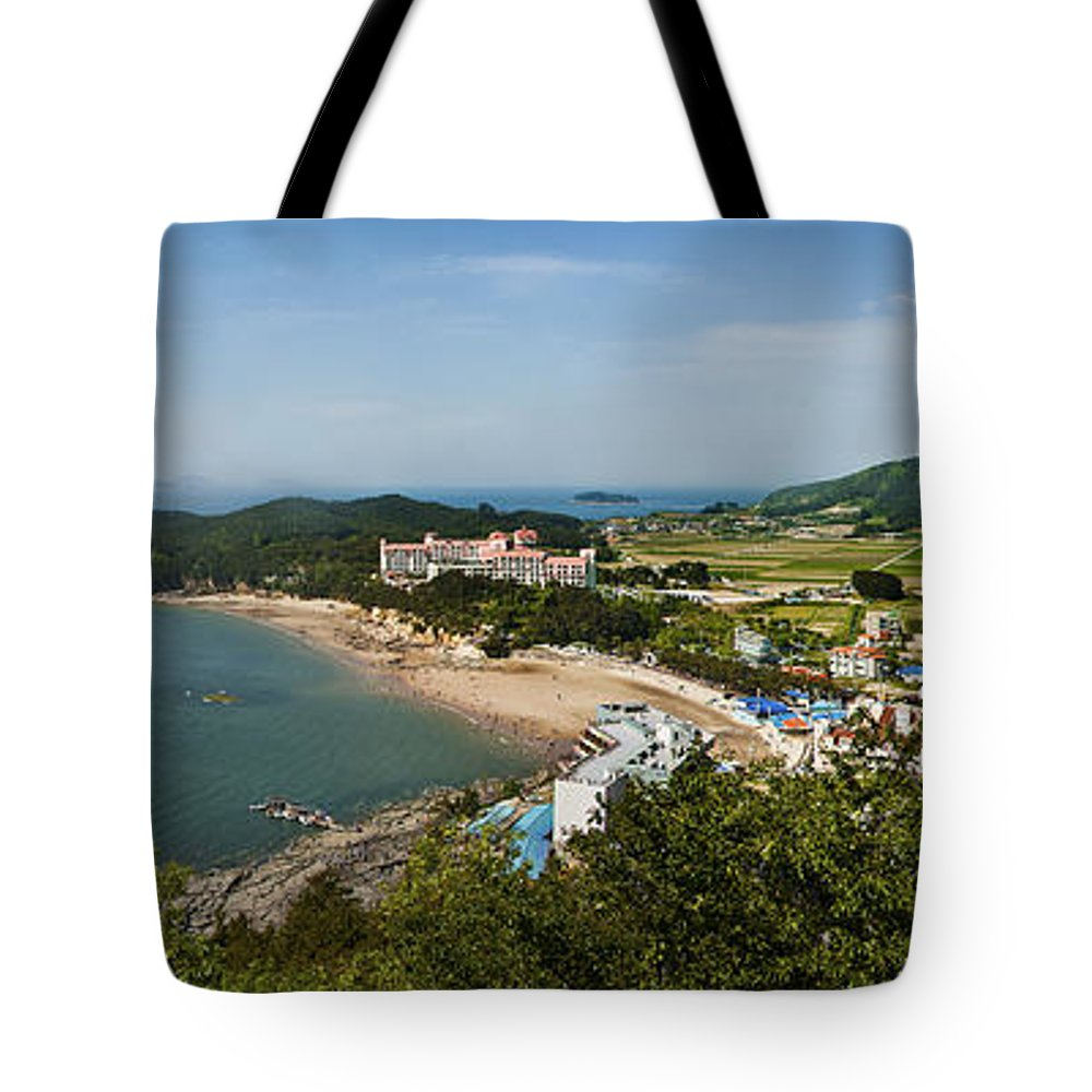 Landscape Tote Bag featuring the photograph Higher by Audrey Wilkie