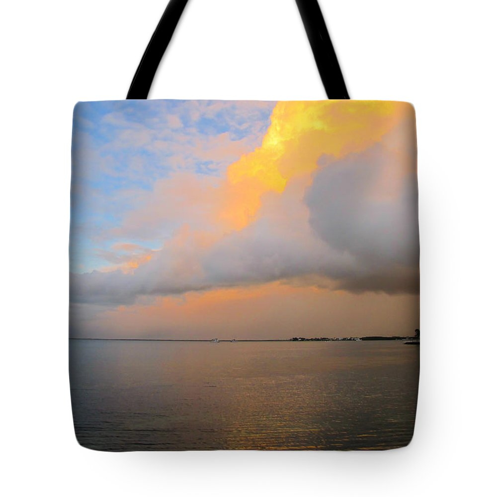 Cloud Tote Bag featuring the photograph Highlight by J Havnen