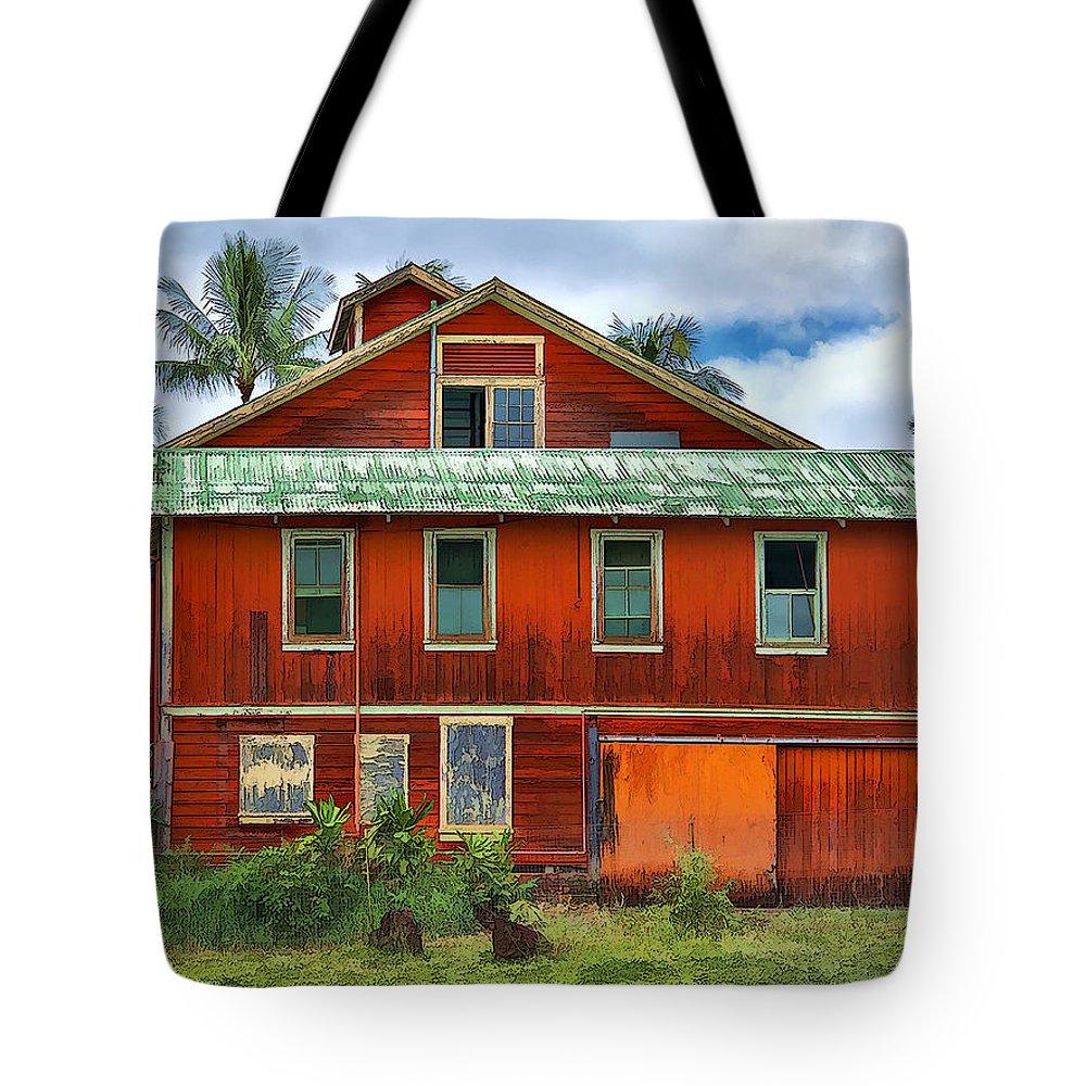 Dan Sabin Tote Bag featuring the photograph Hilo Town House by Dan Sabin