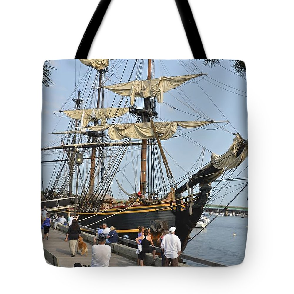 Hms Bounty Tote Bag featuring the photograph Hms Bounty Newburyport by Christian Hanson