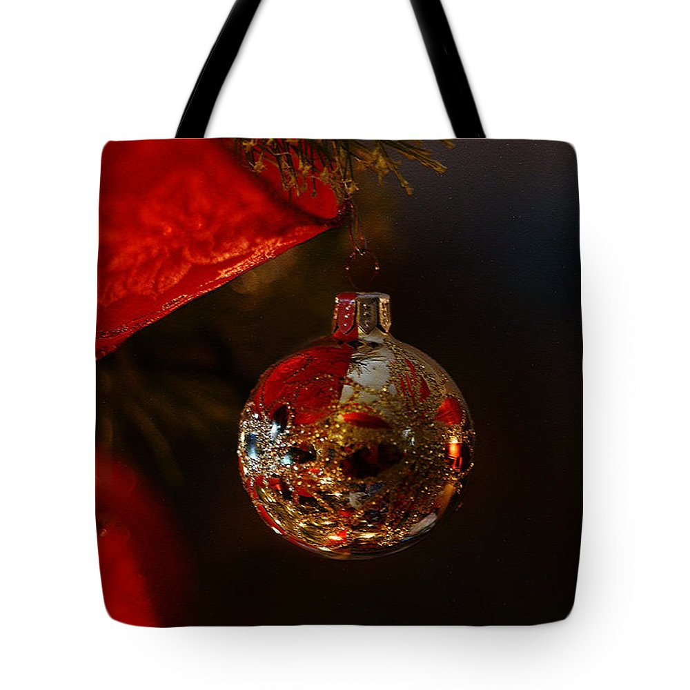 Christmas Tote Bag featuring the photograph Holiday Season by Linda Shafer