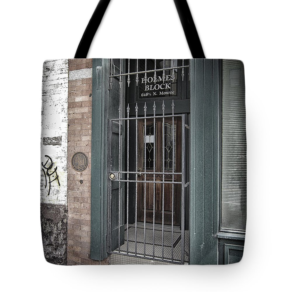 Entrance Tote Bag featuring the photograph Holmes Block Building by Daniel Hagerman
