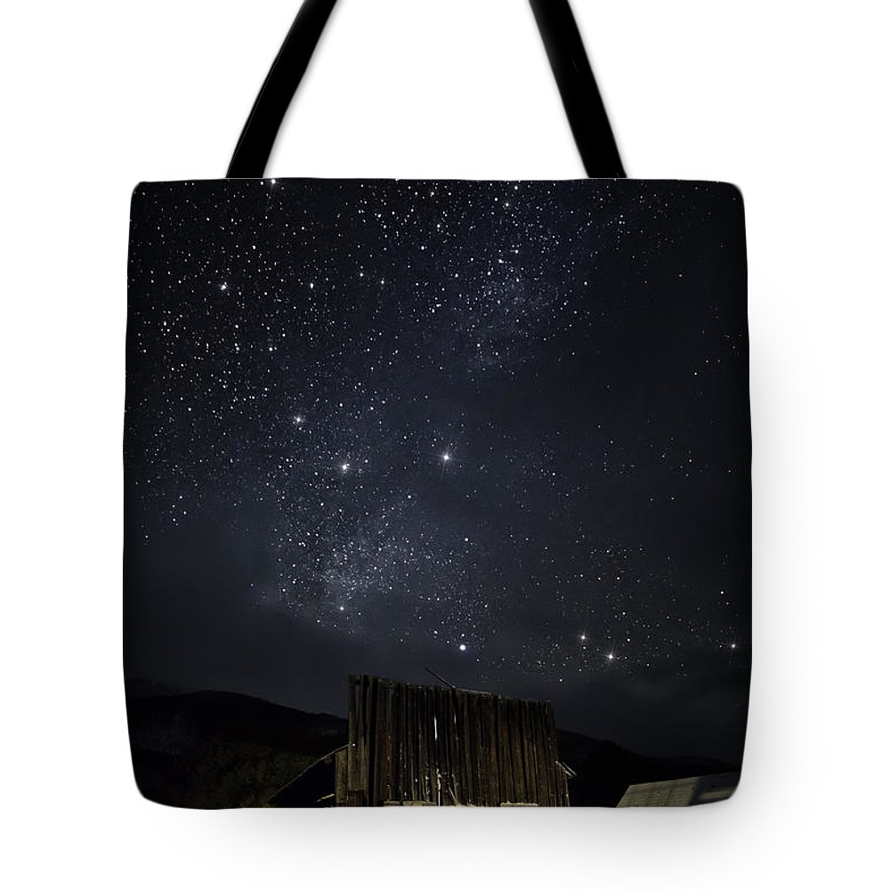 Ashcroft Tote Bag featuring the photograph Home On The Range by Jon Blake