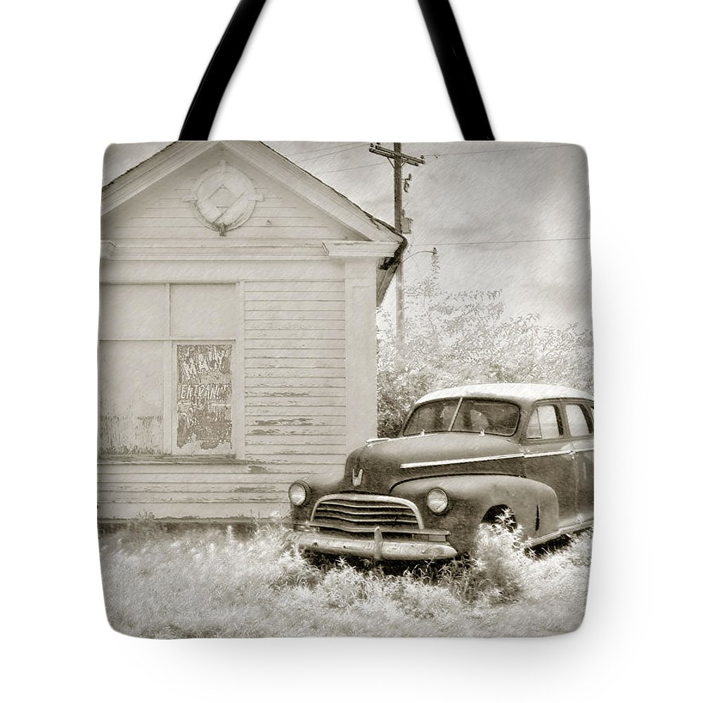 Cars Tote Bag featuring the photograph Homeless by John Anderson