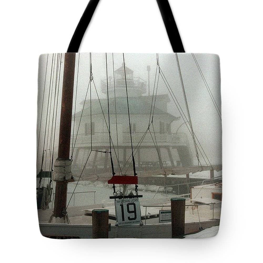 Lighthouse Tote Bag featuring the photograph Hooper Straight Lighthouse by Skip Willits