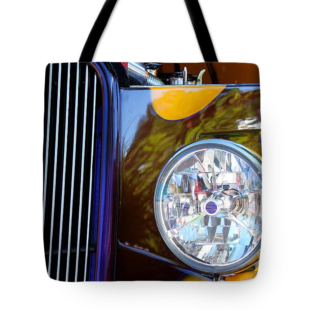Light Tote Bag featuring the photograph Hot Rod Show Car Light by Henrik Lehnerer