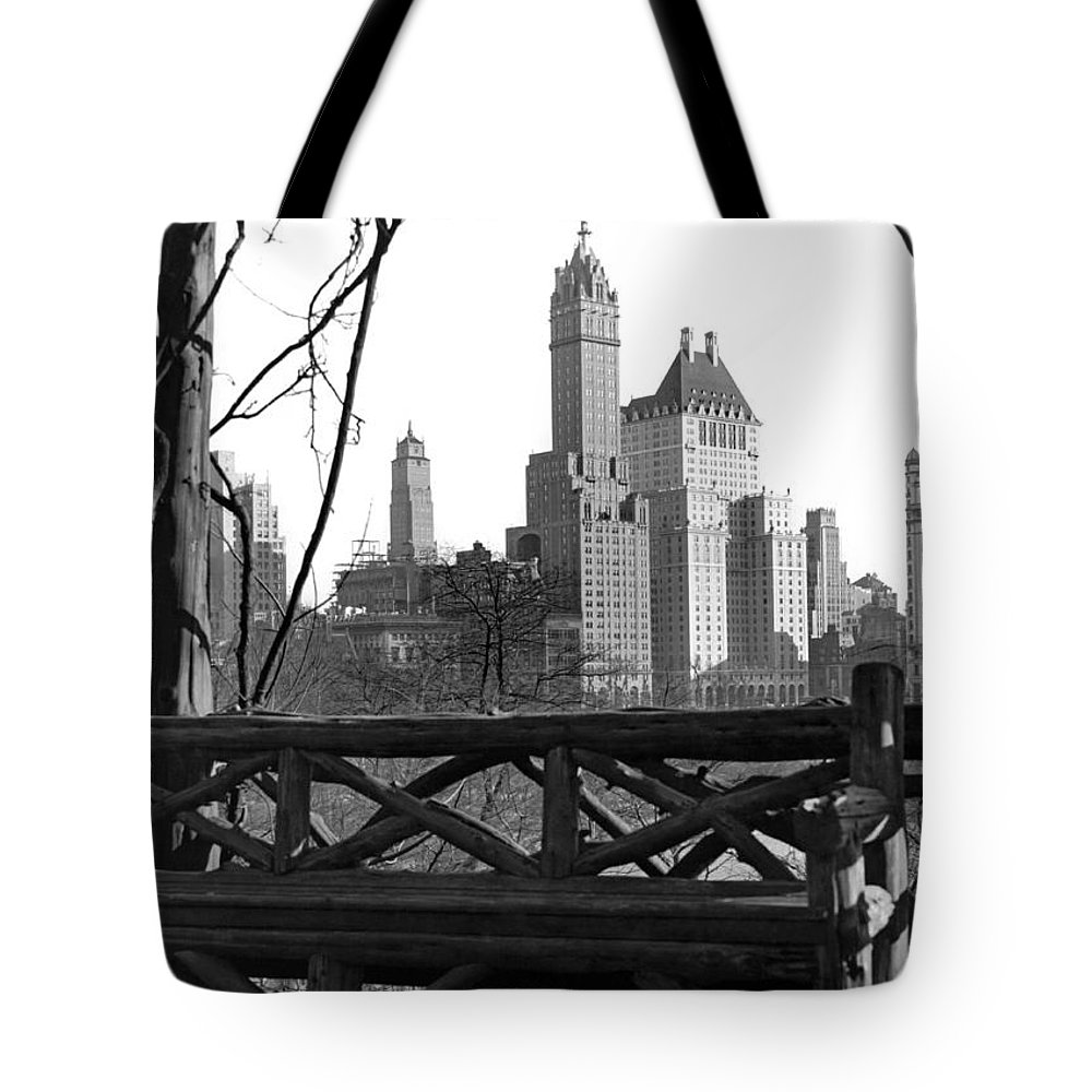 1928 Tote Bag featuring the photograph Hotels Seen From Central Park by Underwood Archives