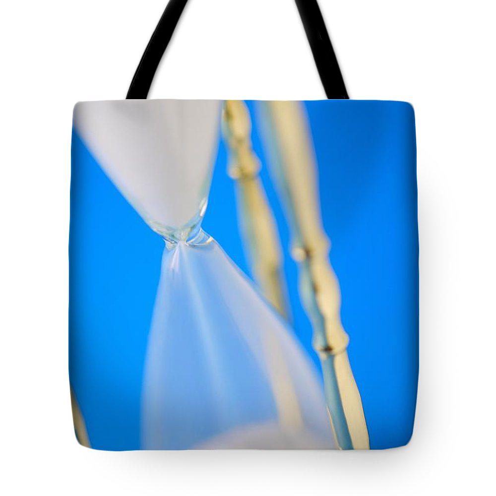Arranged Tote Bag featuring the photograph Hourglass by Don Hammond