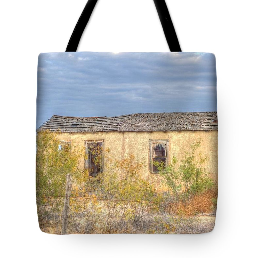 Old House Tote Bag featuring the photograph House In Ft. Stockton I by Lanita Williams