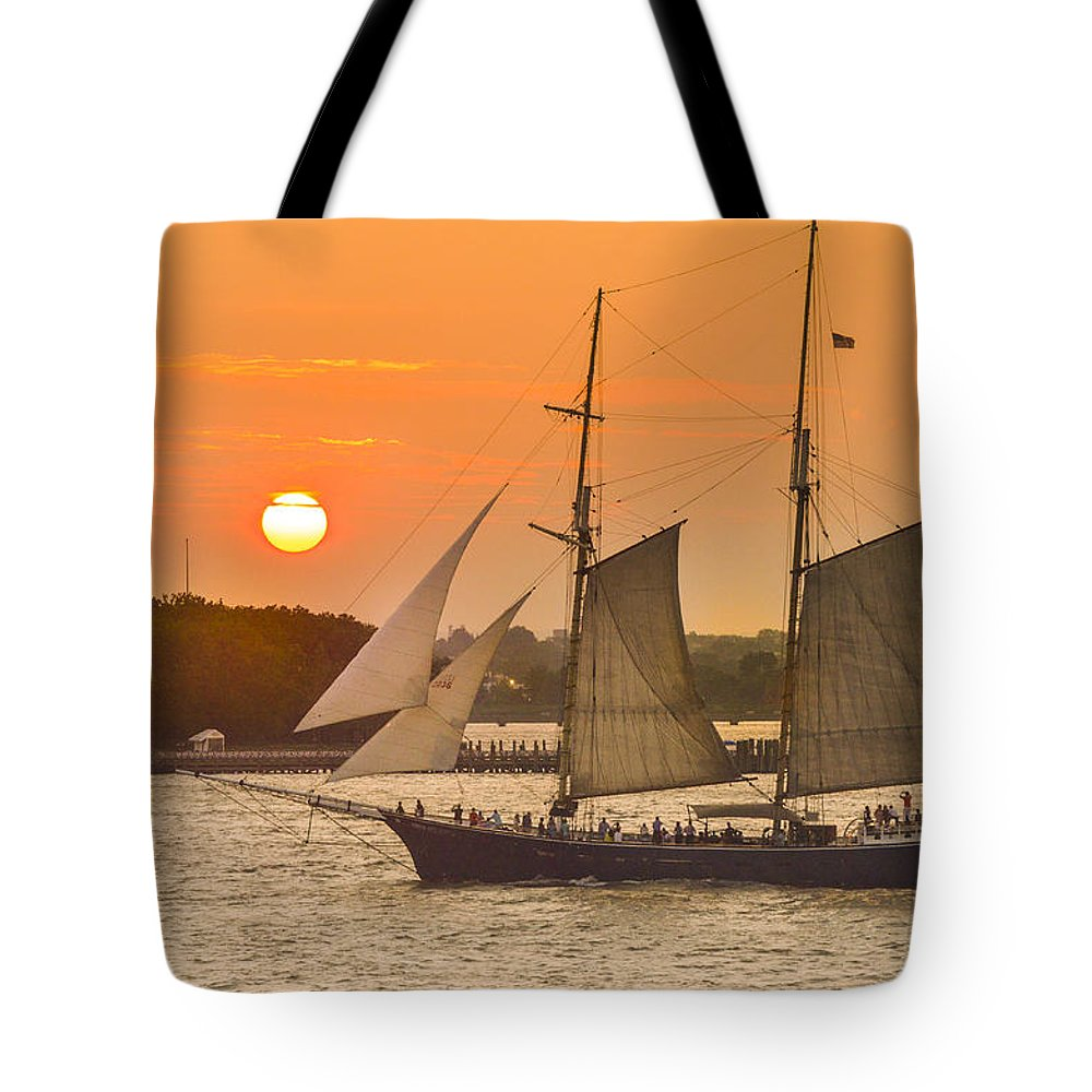 Sunset Tote Bag featuring the photograph Hudson River Tall Ship In Manhattan New York - New York by Maria isabel Villamonte