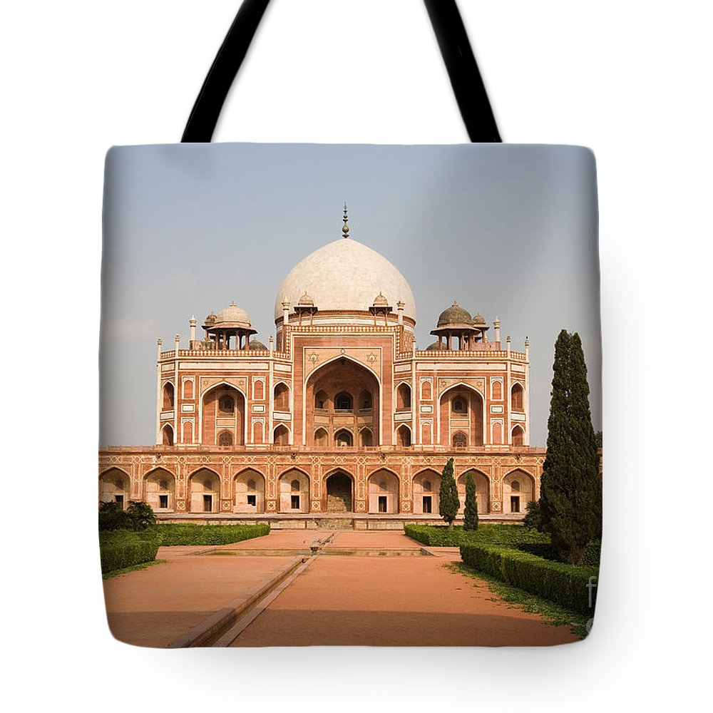 Landscape Tote Bag featuring the photograph Humayuns Tomb by David Davis