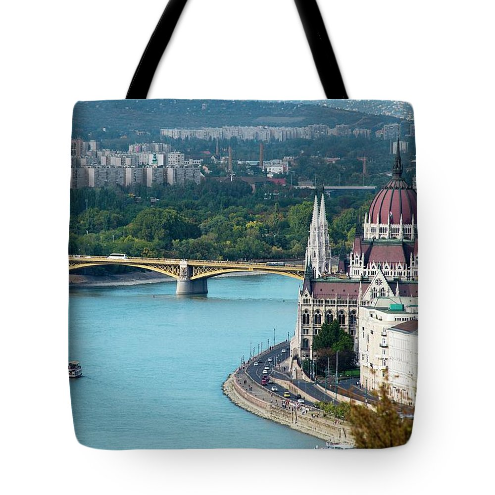 Arch Tote Bag featuring the photograph Hungarian Parliament Building by Paul Biris